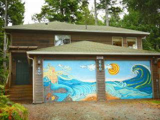 Bright, Spacious, Pet Friendly Home w/ Hot Tub  (MCA#1284), Manzanita