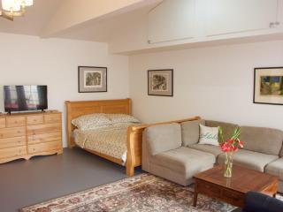 Kalama Valley Studio Apartment