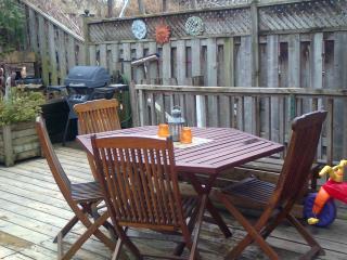 Riverdale Family Friendly,3 Bedrooms, 3.5 Bath, Free WiFi&Parking,Backyard Deck
