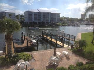 Beautiful One Bedroom Condo  Estero Island