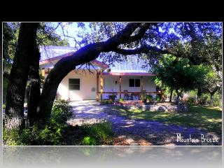 MOUNTAIN BREEZE~HOT DEAL FOR A COOL FLOAT~2/2 SLEEPS 6 ON 23 GATED ACRES! POOL!!
