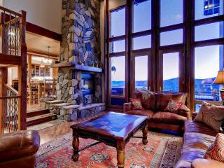 Skyline Retreat - Views, hot tub, pool table, Breckenridge