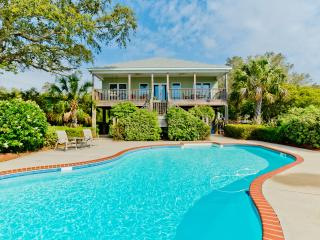 Flip Flop Repair Shop / 4BR 2BA Beach House with Private Pool! / Pet Friendly!