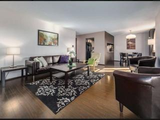 Amazing and spacious condo @ 17 ave SW, Uptown!, Calgary