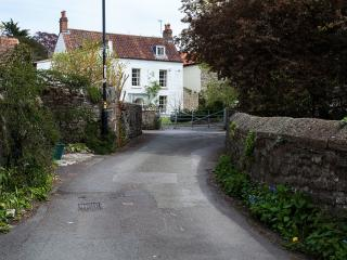 The approach to Trymwood at the end of Trym Road