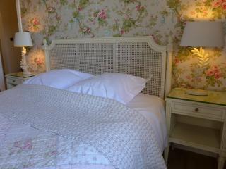 bedroom louise