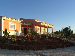 Farm House, relax in central Algarve