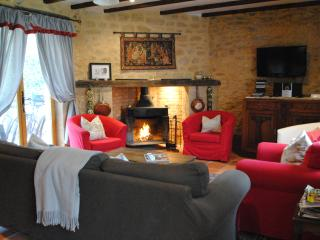 Holiday Rental for romantic couples or groups, Tremolat