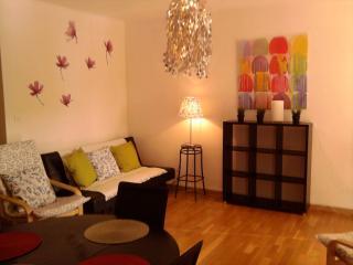 Romantic Apartment 2 bedrooms WIFI parking car, Aviñón