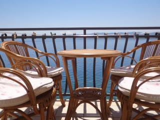 Seaside Bol apartment Santo 2, breakfast included