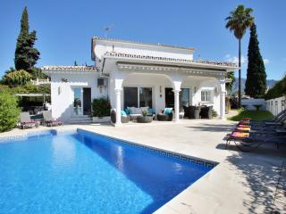 Puerto Banus villa for 8. private HEATED pool. LAST MINUTE 14 - 21 SEPT L2000