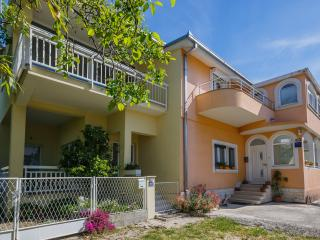 Apartment Lucija near Split,Trogir,beach,garden