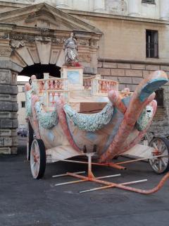 Il carro di Santa Rosalia, patrona della città di Palermo, al Foro Umberto I.