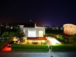 Paradise Town - Royal Villa