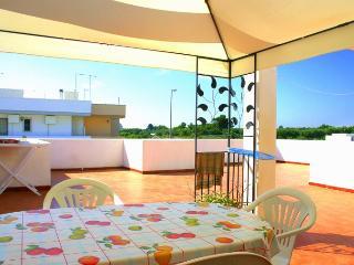 attico-primo piano 6letti con clima-lavatr-barbecu, San Foca