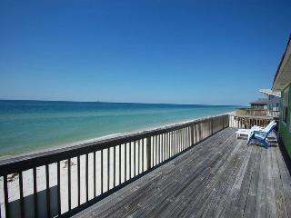 Enjoy Stunning Beach Front Views at This'll do