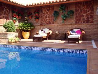 Apartamento Loft con piscina y chimenea granada, Granada