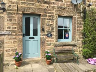 PEAK COTTAGE BAKEWELL PEAK DISTRICT -sleeps 5/6
