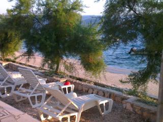 Villa Vedran seafront apartment B Dubrovnik Riviera