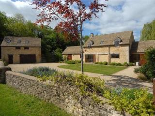 Luxury Cotswold Retreat, Malmesbury