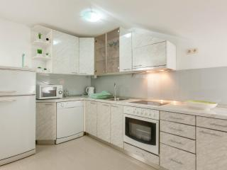 TH01899 Apartments Antonia / Two Bedroom Apartment A2, Okrug Gornji