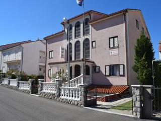TH02419 Apartments Lucija / Studio A4, Malinska