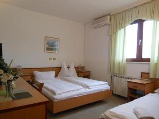 Th01667 Rooms Martin / Double Room S12, Podstrana