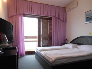 Th01667 Rooms Martin / Double Room S8, Podstrana