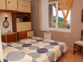 TH04233 Apartment Elena /  Two bedrooms A1, Postira
