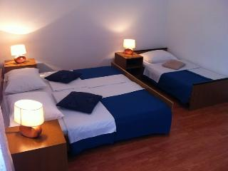 TH01266 Pansion Odmor / Room S20, Rovanjska