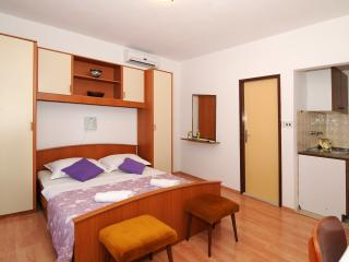 TH03465 Apartments Katica / Studio A1, Makarska