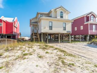 Triple Seas / 5BR 3BA Beach House with Private Pool / Directly on the Beach!