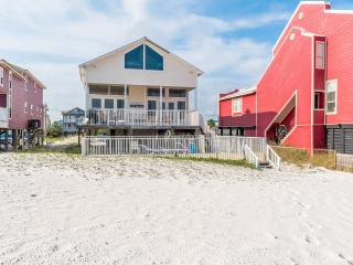 Triple Seas Beach House with private pool / Booking Spring Break Now!, Gulf Shores