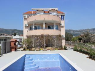 TH03554 Villa Rose / One Bedroom A1, Kastel Stafilic