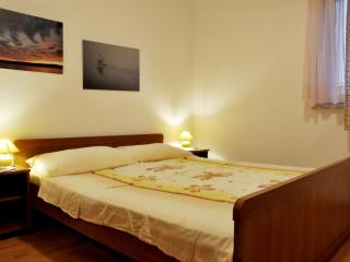 TH02887 Apartments Novotny / One Bedroom Crveni, Rab Island