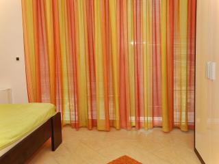 TH03525 Apartments Milan / One Bedroom A6, Makarska