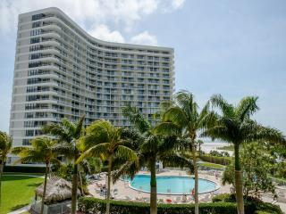 Beautiful Marco Island Beach Front Ocean View, Isla Marco