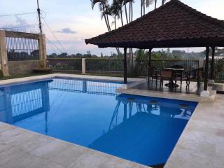 Spacious 7+1 Bedroom Villa with Private Pool