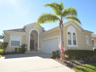 Beautiful 4 Bedroom Single Story Villa, South Facing Pool, Gated Community, Haines City