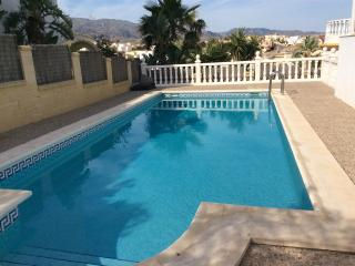 Detached Villa, own big pool and private sun deck with Jacuzzi and Mountain view