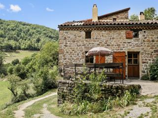 Rustic house with garden and terrace, Saint-Basile
