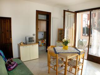 Villetta piano terra con giardino e doppio patio