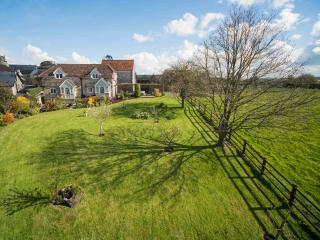 Horseshoe Cottage, near the Jurassic Coast (dogs), Kilmington