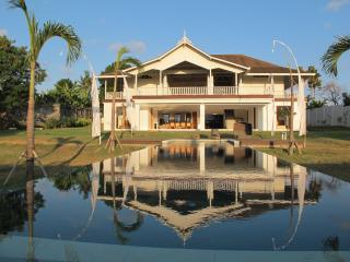 Original Colonial Villa 6bdr+ Luxury Canggu
