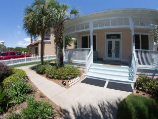 A Garden Cottage 5* DESTIN, 150yds to private beach 10% off fall weeks