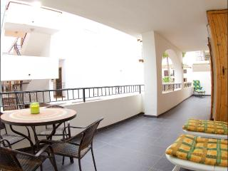 Beautiful 2 Bed Apt Villamartin Plaza Golf & Beach