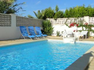 Villa luxueuse avec piscine prive et plages a pied