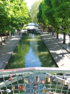 Pont piéton sur le Canal Saint-Martin.