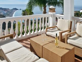 Beautiful house with sea views & pool, Almunecar