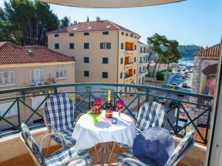 On the beach/City center/the best location!!, Makarska